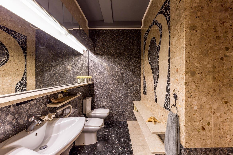 Das eindrucksvolle Badezimmer