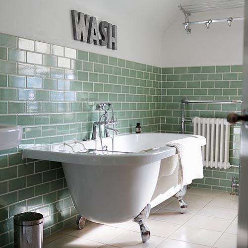 Klassische Badewanne im Badezimmer
